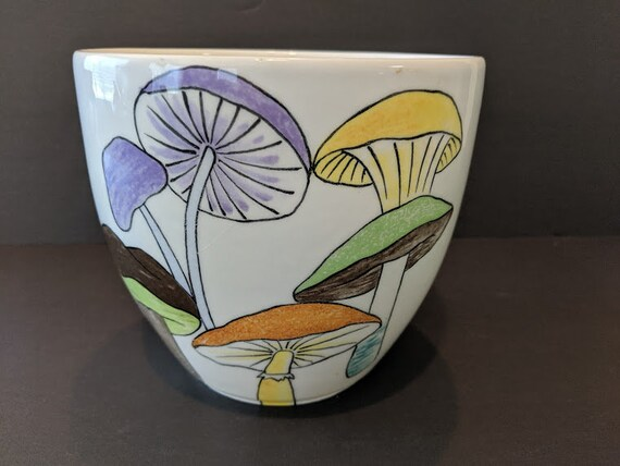 Vintage Ernestine of Salerno Italy Fruit Bowl. Ernestine Hand Painted Mushroom Design Made In Italy. Mid Century Modern Rare Find.