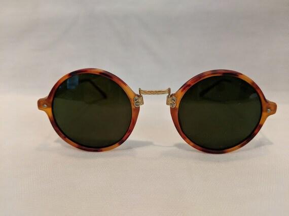 Vintage Retro Round Tortoise Sunglasses. Small Round Horn Rimmed Vintage Sunglasses. 1980's Round Tortoise Sunnies. Hippie Sunnies