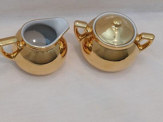 Vintage Hall's Superior Quality Kitchenware. Hall's Golden Glo Creamer & Sugar Bowl. Hall's Warrented 22K Gold Sugar and Bowl Set.