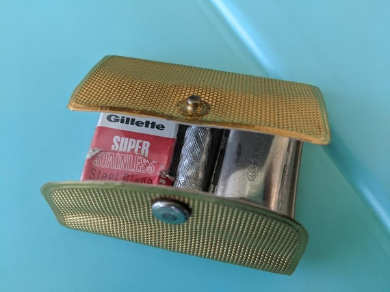 Vintage Gillette Travel Razer Shaving Kit. Travel Shaving Kit with Vinyl Gold Case. Minature Travel Gillette Shaving Kit. Retro/Nostalgic