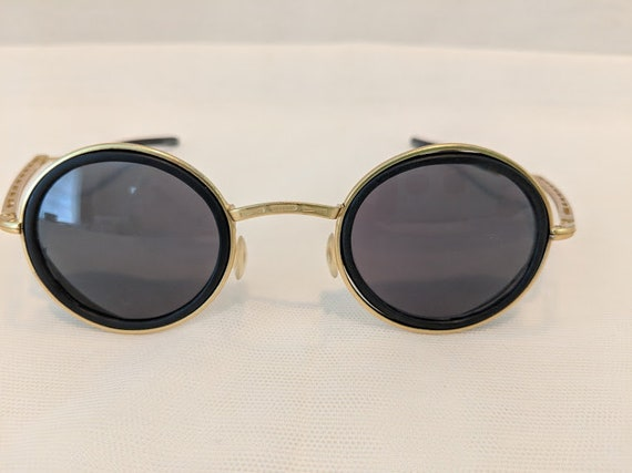 Vintage 1980s Steam Punk Black/Gold Sunglasses. Round Gold-tone Steam Punk Sunnies. Sunglasses with side shield and Folding Arms. SALE SALE