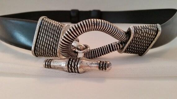 Cipriani Genuine Bonded Leather Black with Heavy Metal Silver Tone Togle Closure. Black Leather Belt with Heavy Silver Togle. Cute Belt