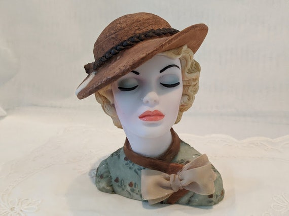 "Vintage Cameo Girls Deluxe Lady Head Vase. Eve 1935 ""Uptown Style. Deluxe Lady Vase LV002."