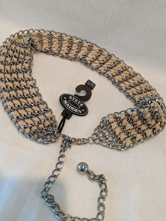 Vintage Steve Madden Chain Belt. Cream Faux Leather and Silver Chain Weaved Belt. Front Tie Chain Belt. Small Chain Steve Madden Belt