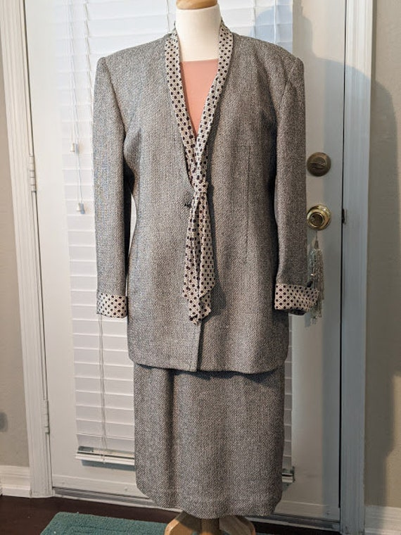 Vintage Christian Dior Soft Gray Tweed Blazer and Skirt Suit. Dior Long Jacket and Skirt Business Suit. Removable Satin Collar & Cuffs.SALE