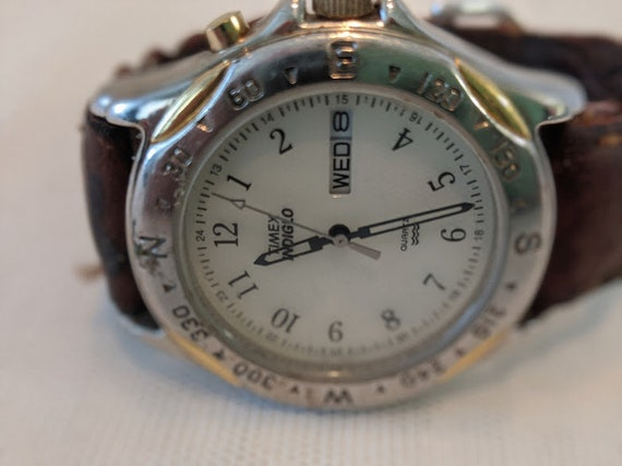 Vintage Timex Indiglo Watch. 30 Meter Water Resistant Timex Watch. Timex Indiglo Watch / Leather Strap.. Men's Timex Watch