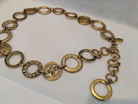 Vintage Ornate Antique Gold Chain Belt. Rings and Medallion Chain Belt. Flower Carving in Medallion Large Rings Chain Belt. Adjustable Belt