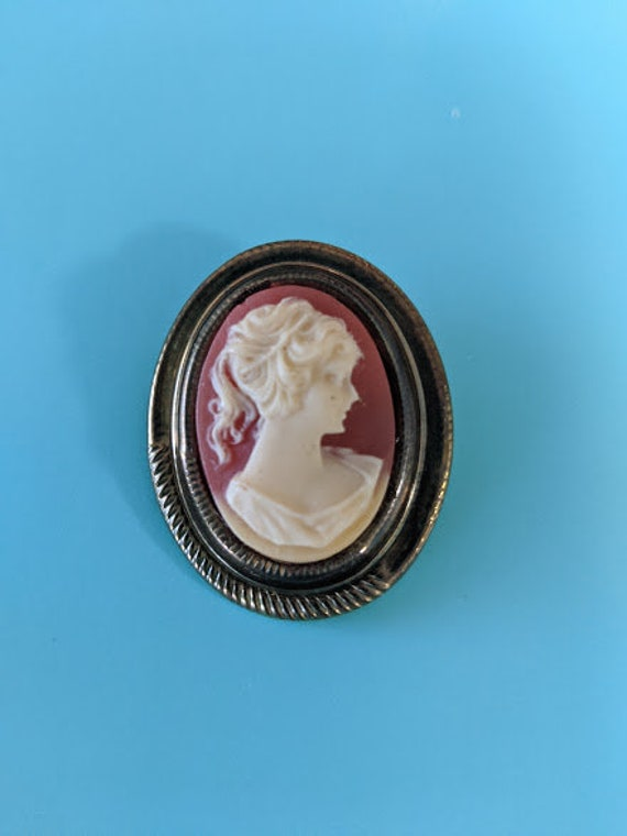 Vintage Cameo Pin/ Brooch.  Antique Gold Victorian Girl Brooch. 1960's Victorian Cameo. Oval Cameo Pin