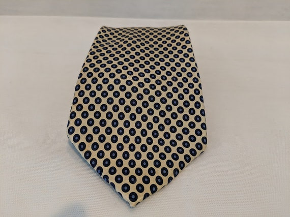 Vintage Tommy Hilfiger Neck Tie. Tommy Hilfiger Silk Yellow and Navy Neck Tie. Classic Tommy Hilfiger Tie. Tommy Hilfiger Suit Accessory.
