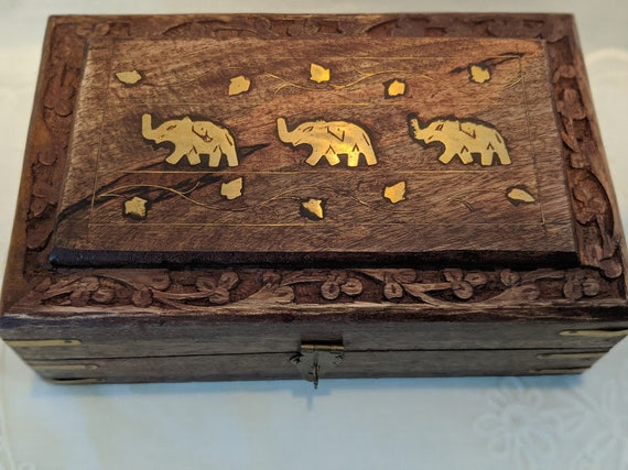 Vintage Wooden Box With Brass Elephants Inlay. Wooden Hand Carved Memory Keepsake Box. Indian Wooden Carved and Brass Elephant Inlay Decor