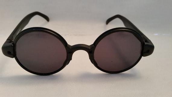 Combo Circle Retro Sunglasses. Black Plastic/Metal Combo Funky Round Sunglasses .Matte Black Plastic Round Sunglasses with Metal Around Lens
