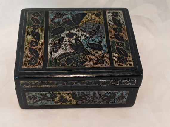 Vintage Linaloe Lacquered Wood Box.  Small Black Lacquered Lenaloe Trinket Box. Black Ornate Lacquered Wood Ring Box.