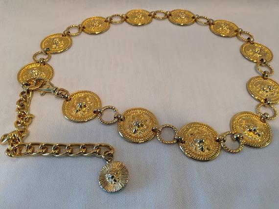 Vintage Gold Tone Lion Heart Medallion Belt. Lion Medallion Chain Belt. Gold Tone Medallion Adjustable Chain Belt.