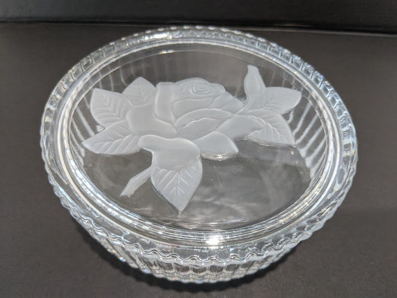 Vintage Oval Ribbed Cut Glass Trinket Box. Embossed Frosted Rose Lid Glass Powder Box.