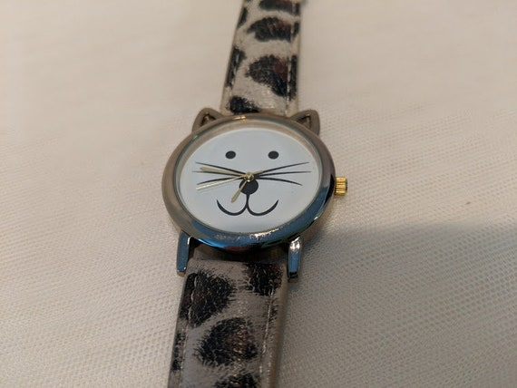 Vintage Cat Face Watch. Women's Cute Cat Face Wristwatch. Cat Face Watch With Faux Leather Cat Print . Cute Novelty Cat Face Watch