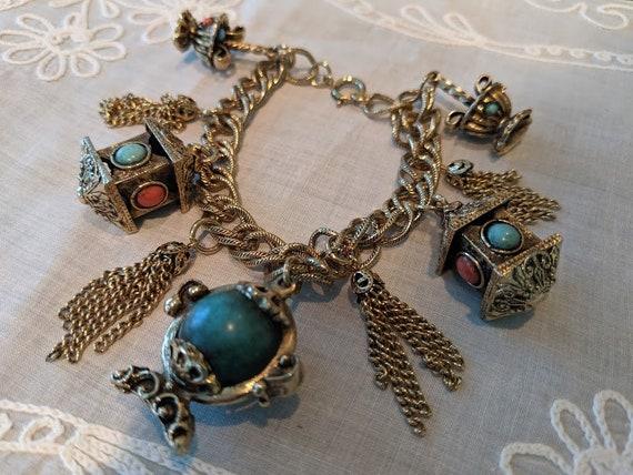 Vintage Chunky Charm Bracelet. Etruscan Style Charm Bracelet. Gold Tone Ornate Charm Custome Bracelet. Filigree, Art Deco, Victorian Charms