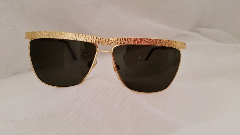 2a00dc0703439 Vintage Versace Inspired Solid Gold Sunglasses. Flat Top Gold