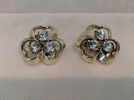 Vintage Carel Clover Shape Clip On Earrings. Gold Tone Clover and Rhinestone Clip On Vintage Earrings