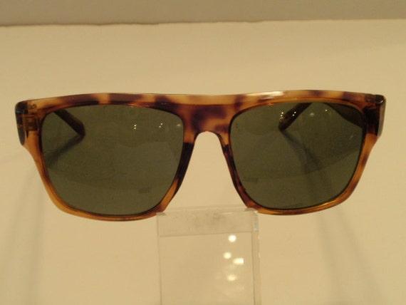 Vintage Oversize Thick Horn Rimmed Sunglasses.  Flat Top Large Sunnies. Green Lenses. Large Plastic Vintage Shades.