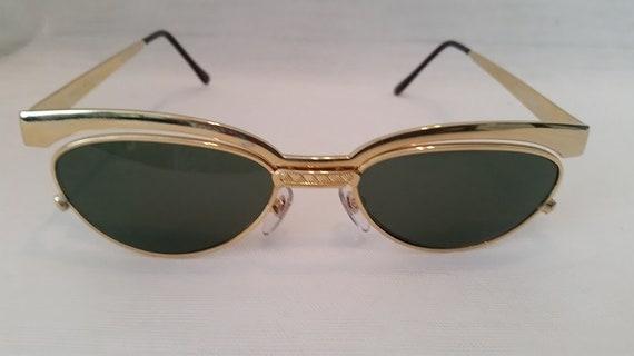 Vintage Optical Quality Gold Metal Cat Eye Sunglasses. Green Lenses. Cutest Cat Eye Gold Frames.