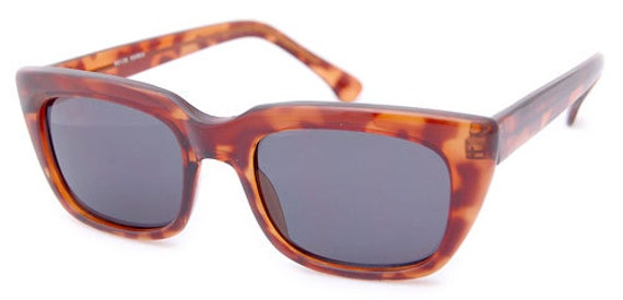 The Vintage Hipster of the 70s/Tortoise. Large Plastic Tortoise Shell Sunnies. Cool Large Plastic Shades. Vintage Large Sunnies.