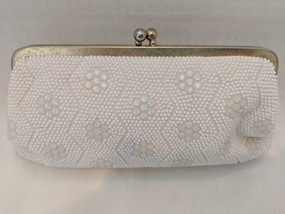 Vintage White Pearl Evening Bag. 1960s Formal Pearl Wristlet Bag.  Vintage Pearl Evening Bag, Gold Chain Handle.