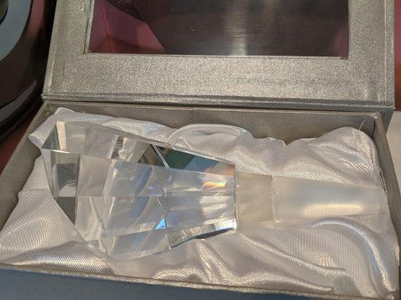 Vintage Oleg Cassini Crystal Bottle Stopper. Diamond Faceted Style Crystal Bottle Stopper.