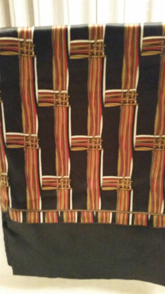 Kkusebo Rectangular Scarf. Double Sided Rectangular Kkusebo Scarf. Scarf with Crown and Crest. Kkusebo Japan Rectangular Vintage Scarf.