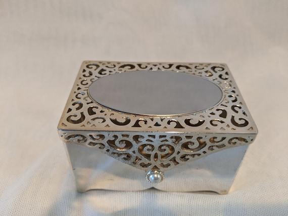 Silver Plated Small Filigree Jewelry Box. Filigree and Pearl Accent Keepsake Box. Small Heavy Silver Plated Engraveable Box. Small Cute Box