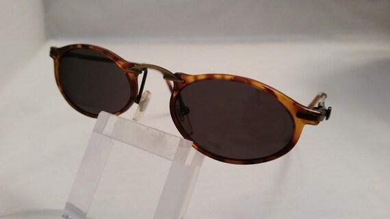 Vintage Mod Tiny Oval/Cateye Sunglasses/ Tiny Tortoise/AntiqueGold Oval/Catseye, Cutesy Tiny Specs