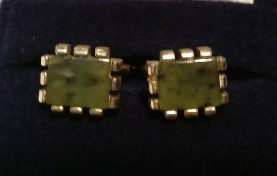 Vintage Jade Stone Cufflinks. Retro Gold Tone and Nephrite Jade Cufflinks.  Vintage Swank Gold Tone and Jade Stone Cufflink.