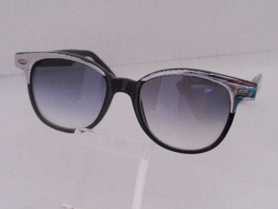"Vintage CM ""Joey"" Silver/Black. Black and Silver Sunnies. Square Shape Retro Frames . Cute Sunnies(SALE)"