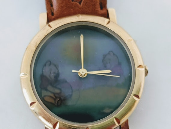 Vintage Winnie the Pooh Wristwatch. Timex Hologram of Pooh Falling into Pot of Honey. Collectible Pooh Watch. Winnie the Pooh Novelty Watch