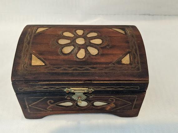 Vintage Folk Art Wood Trinket Box. Wood and Bone Inlay Jewelry Box. Treasure Chest Style Small Wood Fold Art Trinket Box. Bone Inlay Flowers