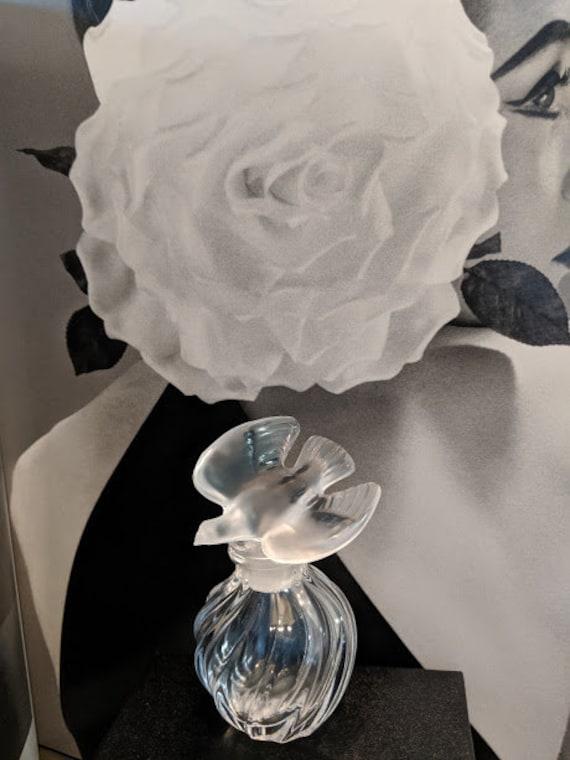 Vintage Lalique One Dove Perfume Bottle. Vintage Frosted Dover Stopper Perfume Bottle. Nina Ricci L'air Du Temp Perfume Bottle. Collecitble