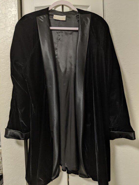 Vintage Michael Macella Ltd Cocktail Velvet Jacket. Quarter Length Vintage Black Velvet Jacket. Open No Closure Draped Velvet Jacket