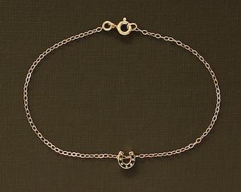 Dainty Gold Horseshoe Bracelet - 14K Gold Filled Chain
