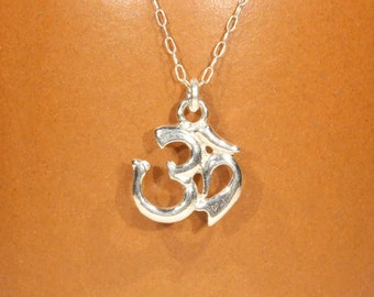 Ohm necklace in sterling silver, spiritual necklace, yoga necklace, gold ohm pendant, peace necklace, a silver aum on sterling silver chain
