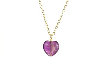Little amethyst heart necklace / love necklace / purple crystal / dainty necklace / healing stone jewelry