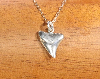 Silver shark tooth necklace, Hawaiian necklace, beach jewelry, boho necklace, surfer necklace, cute gift idea, vacay vibes, summer jewelry