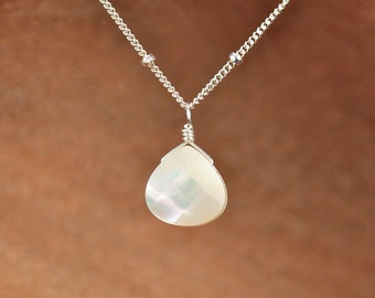 Mother of pearl necklace - everyday necklace - bridal necklace - drop necklace