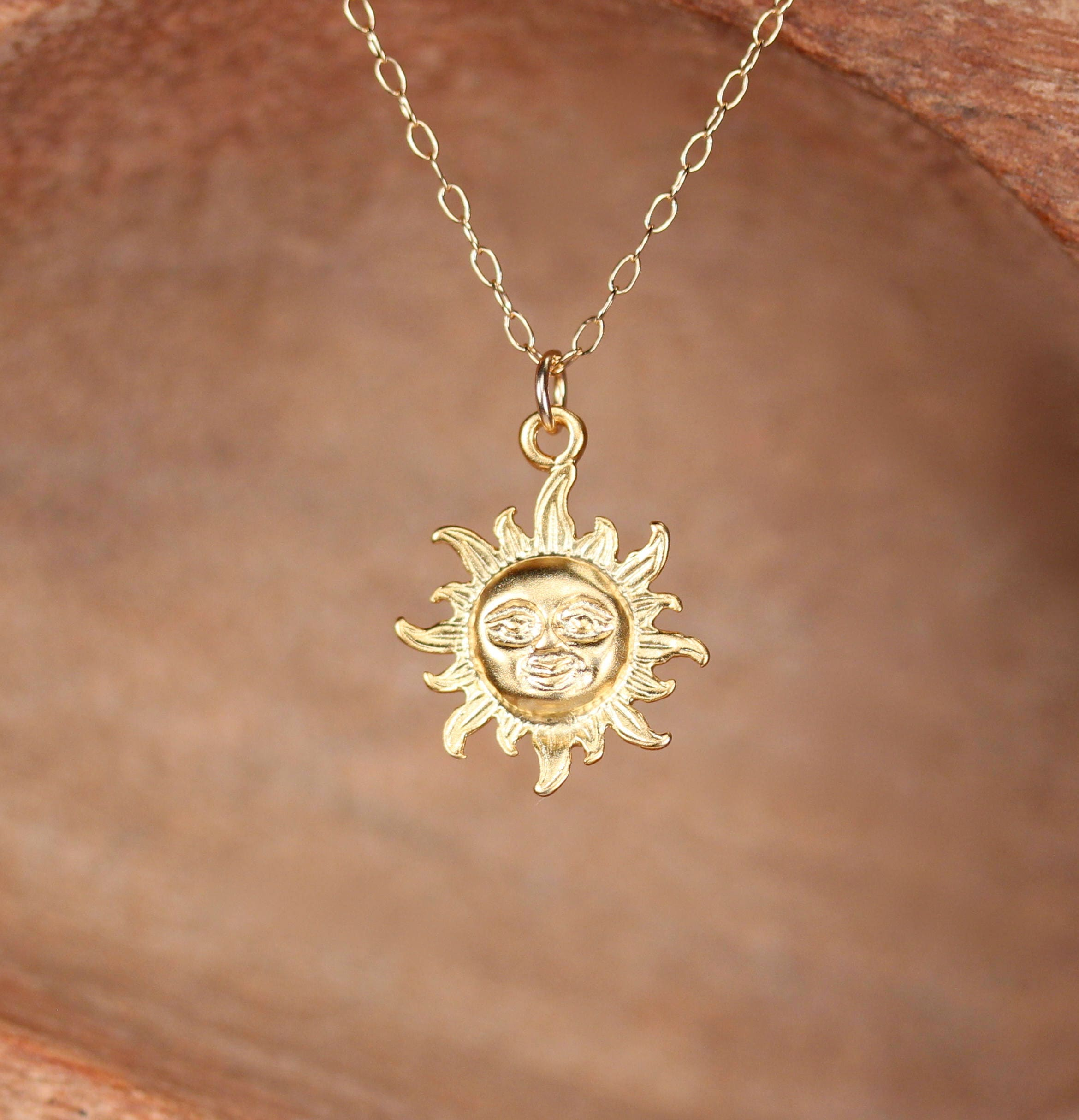 r rose gold necklace sun