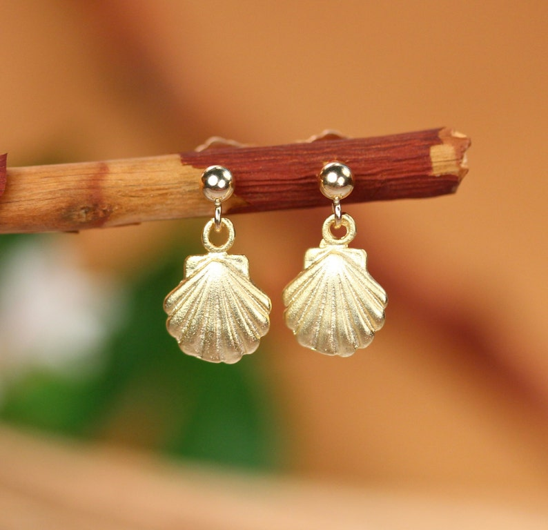 Tiny gold shell earrings clam shell earrings scallop image 0