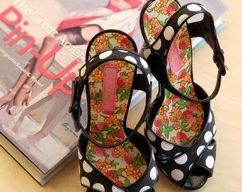 c1f5f12eb7 Betsey Johnson Black & White Pokadot peeptoe ankle high heels
