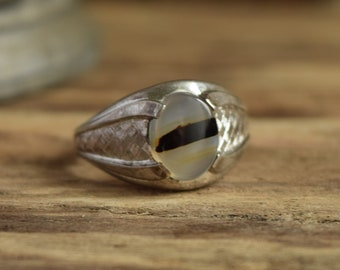Oval Agate Sterling Ring Size 8 3/4 - Clark & Coombs