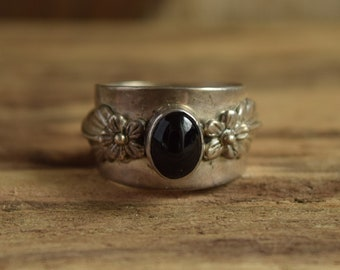 Wide Band Floral Onyx Ring Size 7 1/4