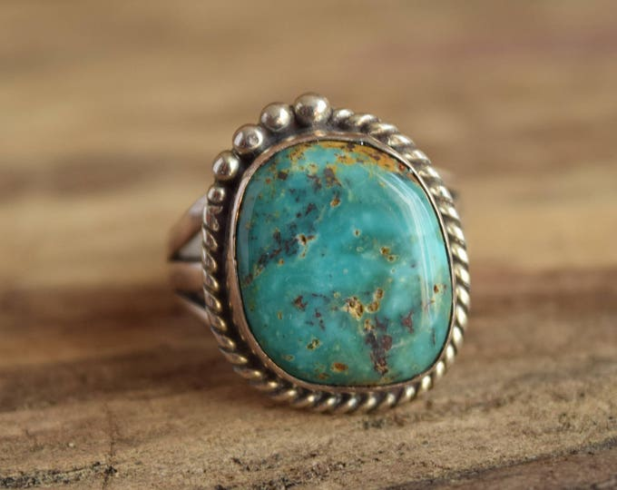 Round Turquoise Ring - Size 9 1/2