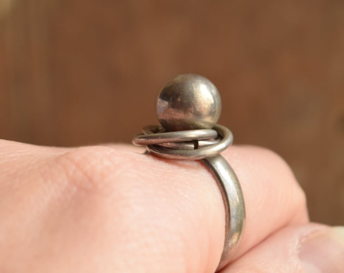 Modernist Ball Ring Size 9 with rings