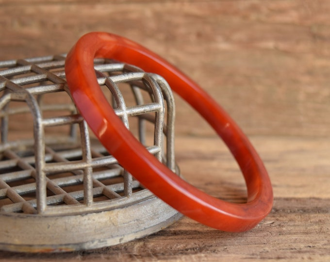 Marbled Red and White Bakelite Bangle 1/4 inch Square Spacer