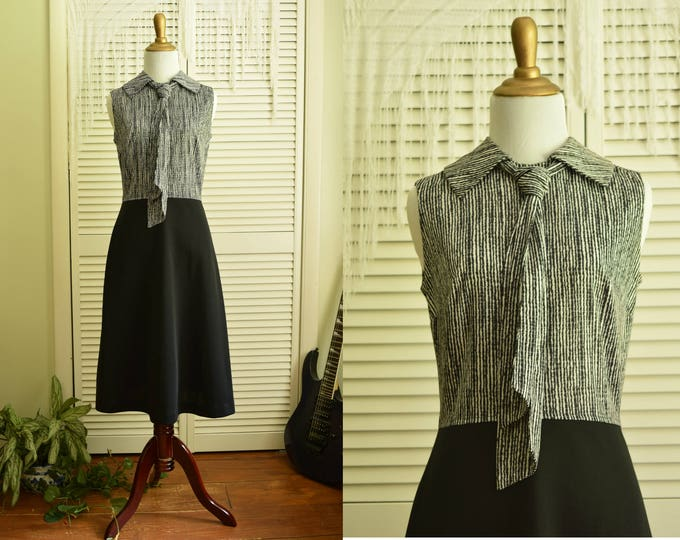 Black and White Pussy Bow Dress - Sleeveless Collared Dress - A line skirt dress - Fitted secretary dress - 60s 70s dress - Business casual